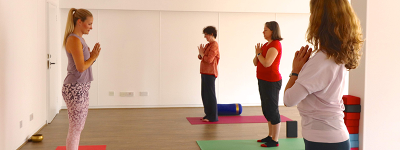 Better-posture-as-an-example-of-physical-health-benefits-of-yoga